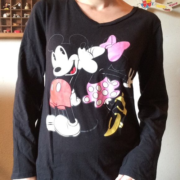 Disney Tops - 💋 Big Disney Mickey Minnie Kissing Long Sleeve